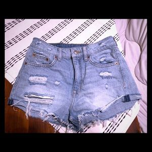 Distressed Jean shorts size 4
